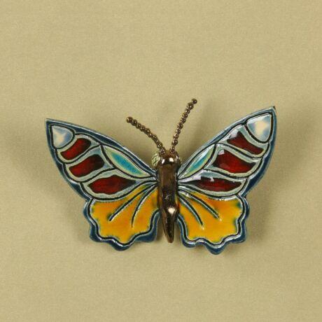 Fali pillangó 1