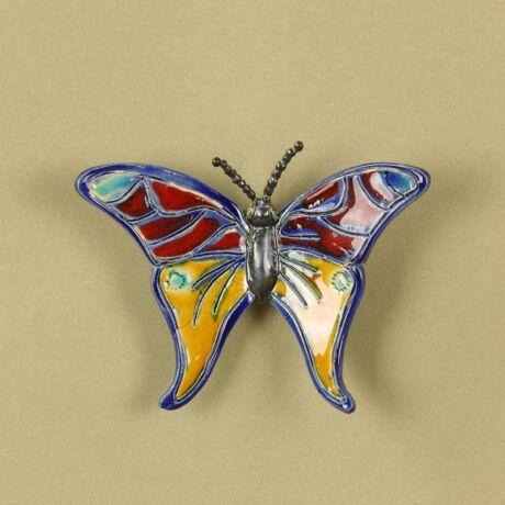 Fali pillangó 3