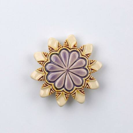 Kerámia virág - hegyes szirmú, fehér - lila