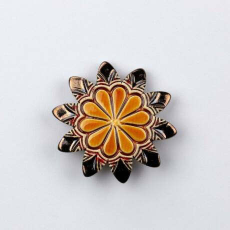 Kerámia virág - hegyes szirmú, arany - sárga