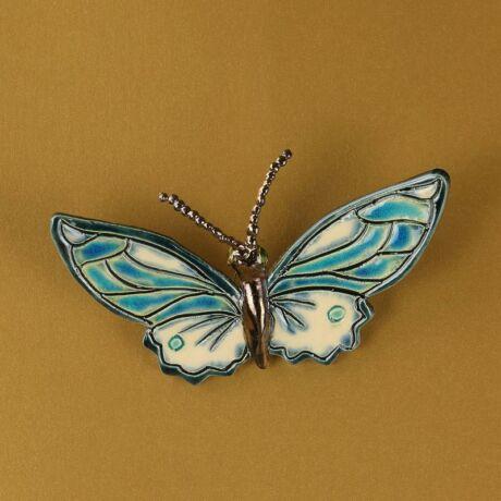 Fali pillangó 9