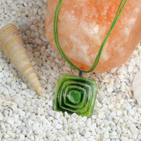 Zöld buborékos kocka üveg nyaklánc