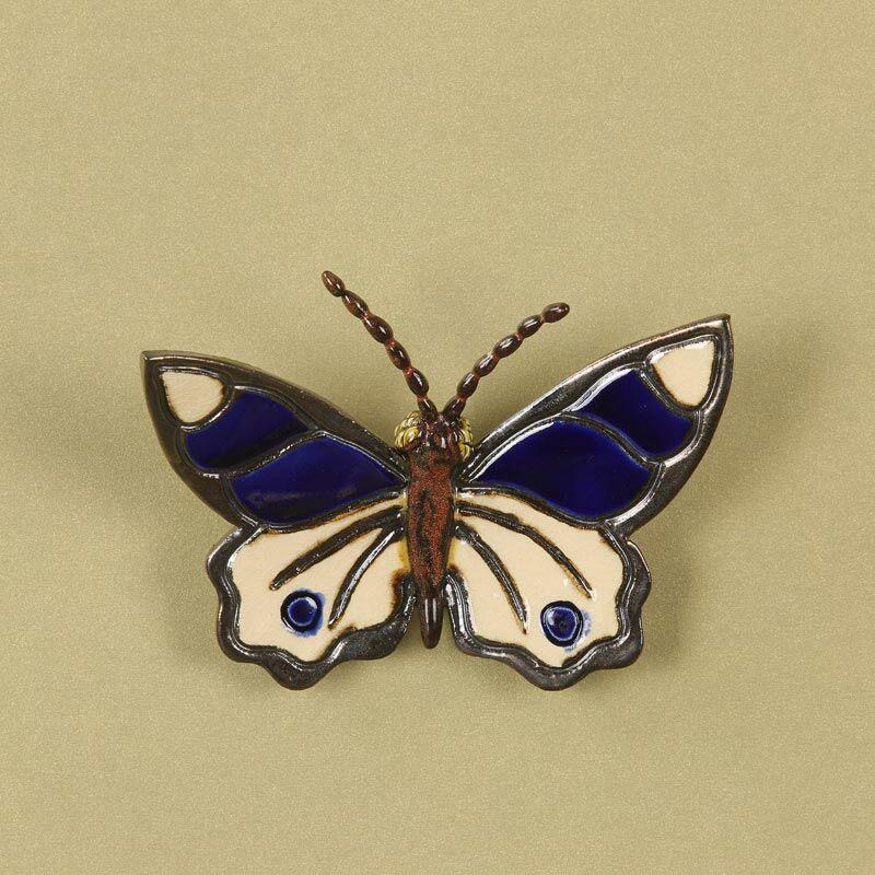 Fali pillangó 4