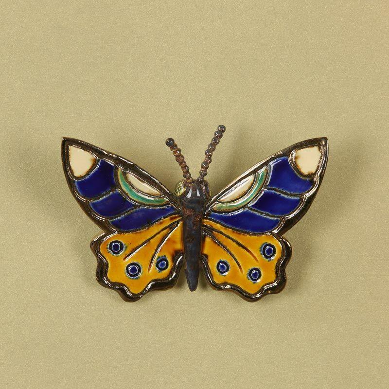 Fali pillangó 5