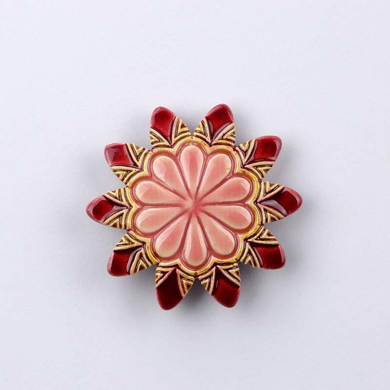Kerámia virág - hegyes szirmú, piros - rózsaszín