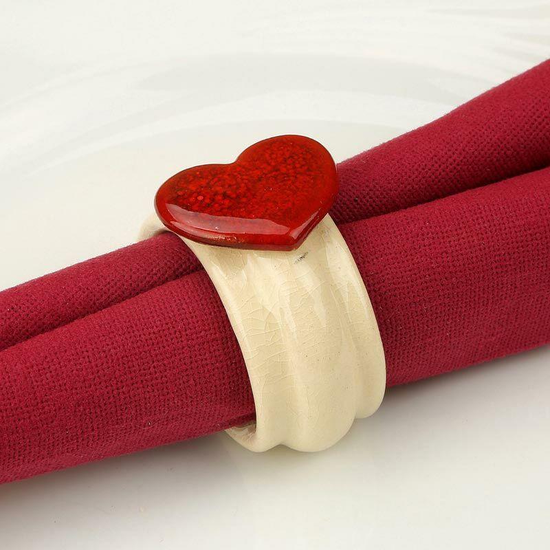 Kerámia szalvétagyűrű - piros szív
