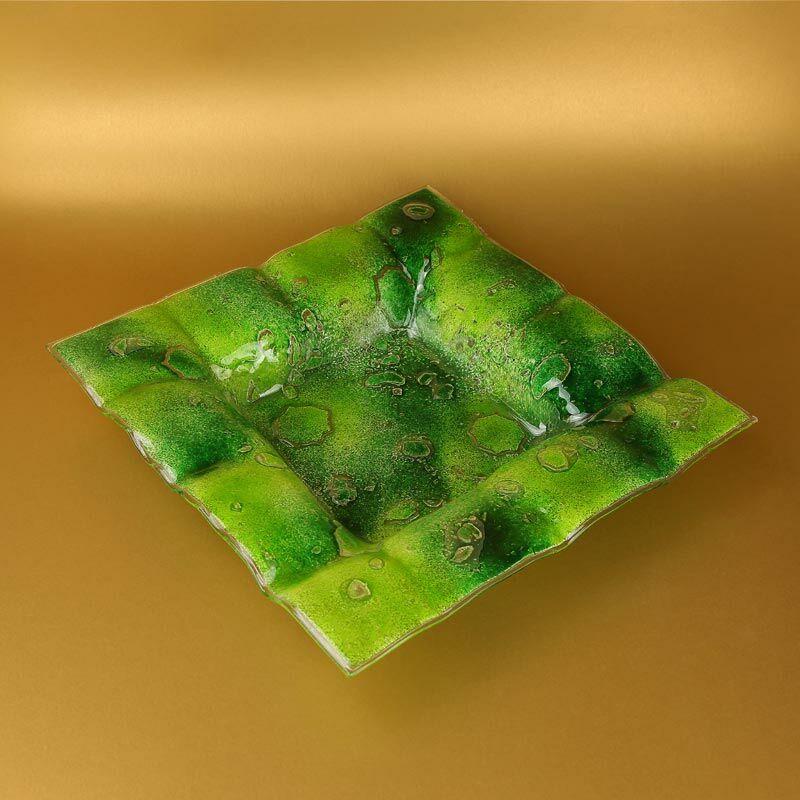 Buborékos zöld üveg kockatál
