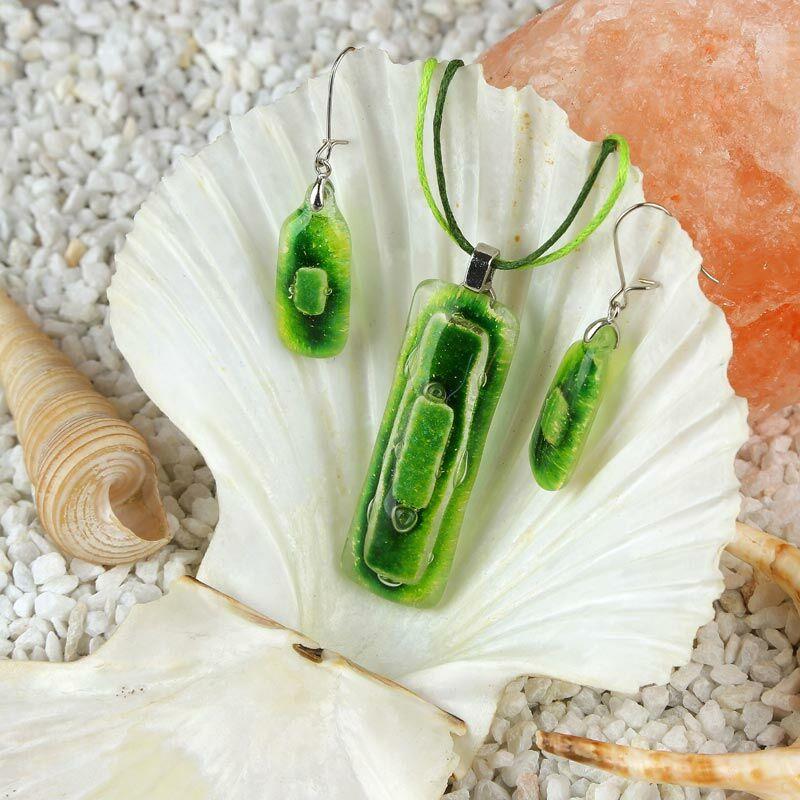 Zöld hosszúkás buborékos üveg ékszer szett
